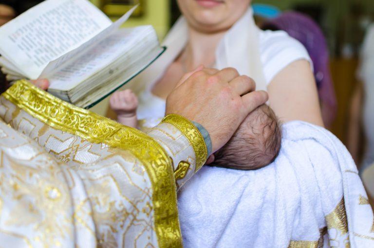 Comment bien organiser un baptême ?