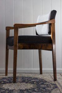 Ancien fauteuil rénové